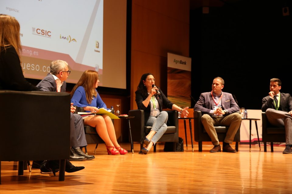 El II Congreso de Fruta de Hueso, sede de la primera mesa de debate del Foro Hispano- Chino
