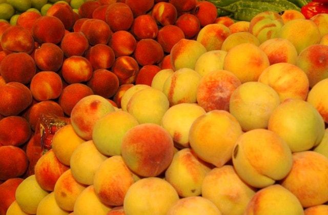 """La campaña de fruta de hueso, calificada de """"lamentable"""" también en Murcia"""